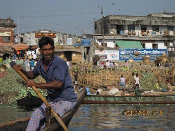 Baadmand paa floden Sadarghat i Old Dhaka