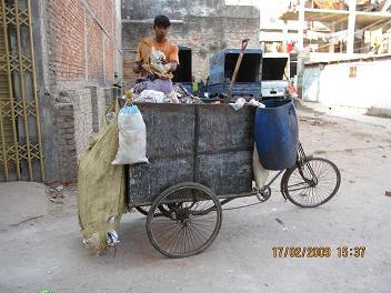 Skraldemand i Old Dhaka