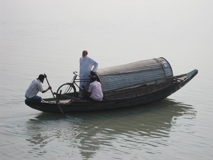 Bådturen fra Sadarghat bådterminal, Dhaka til Hularhat havnen