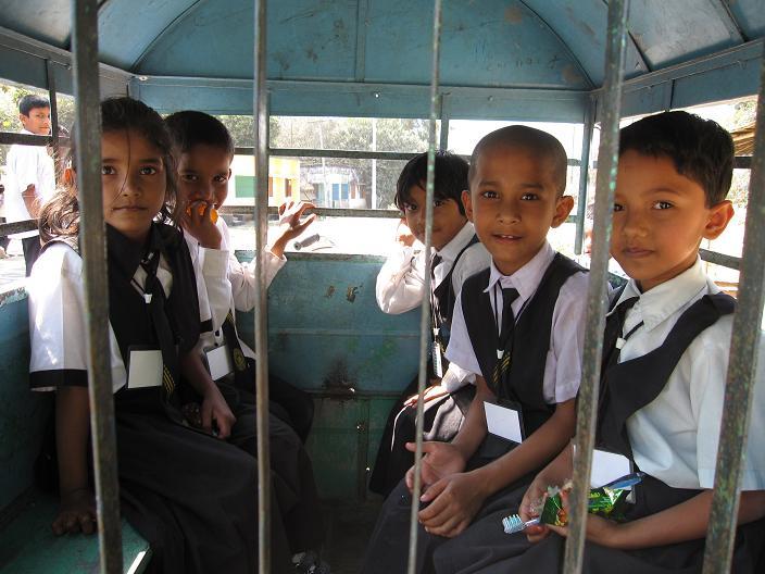 Skolebussen, Birganj